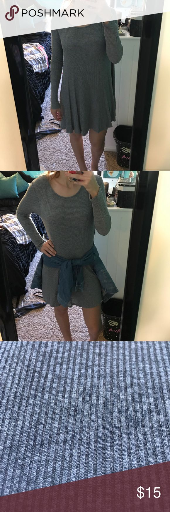 Long Sleeve Tshirt Dress Cute and comfy long sleeve dress. Perfect condition. Style with something (like a jean jacket!) tied around waist for accessorizing. Dresses Long Sleeve