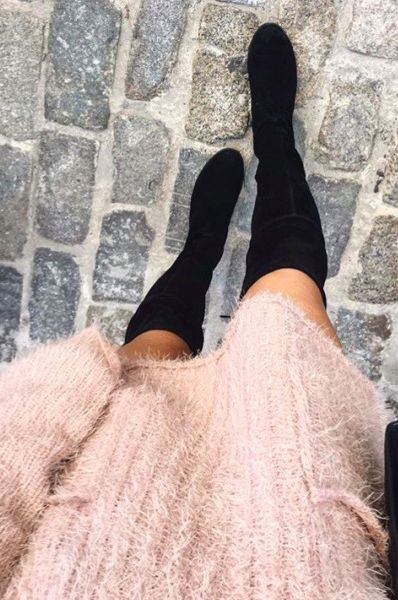 oversized pink sweater | black over the knee boots //pinterest: juliabarefoot
