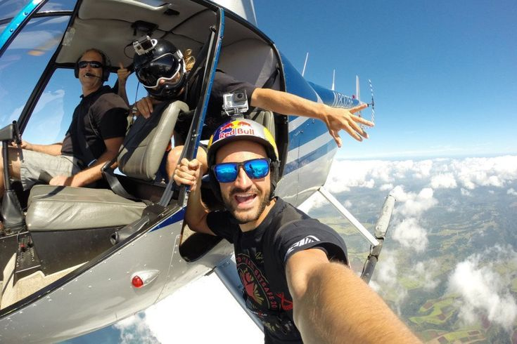 Skydiving Selfie Most Extreme Selfies • Page 3 of 6 • BoredBug