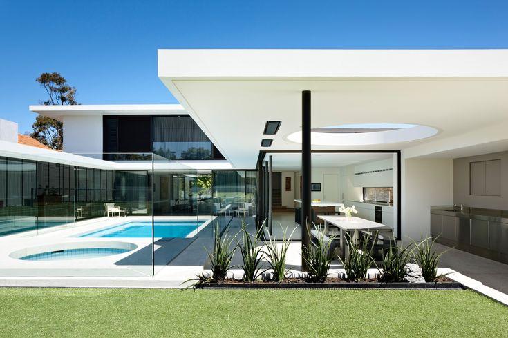 Brighton Residence by Mc Kimm Architects via onreact