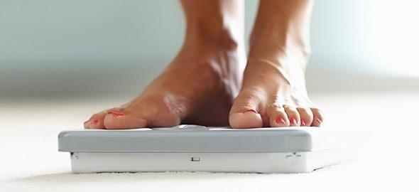 Η αύξηση βάρους που συχνά συνοδεύει την εμμηνόπαυση μπορεί να μετριάστει με σωστή διατροφή και την αποφυγή ορισμένων τροφών, συμβουλεύει η ειδικός.