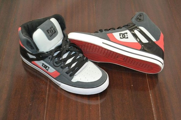 Mens DC Skate Boarding Shoes Red Black Gray Excellent Condition Size 13