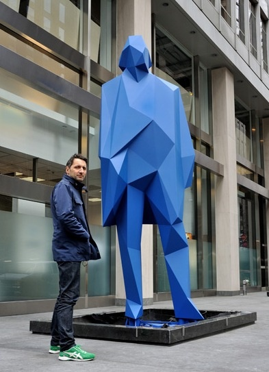 Xavier Veilhan's first permanent public sculpture in the US. Located 53rd Street and 1330 av of the Americas (NYC), nearby the MOMA.