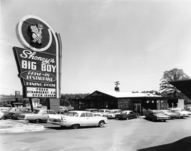 Loved the Big Boy, Onion Rings & Strawberry Pie!  Don't forget the cherry coke.