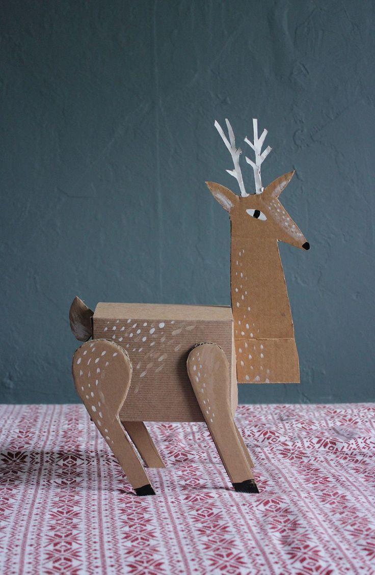 DIY reindeer gift box.