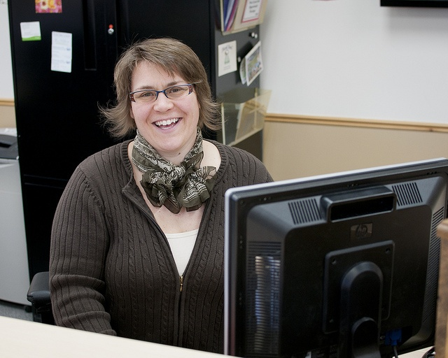 The YMCA of Simcoe/Muskoka will help you find a job through our employment services
