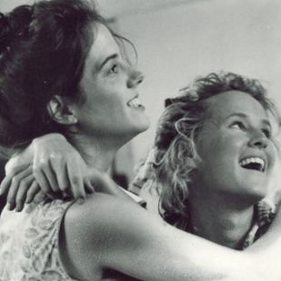 "20 Times Idgie And Ruth Were The Perfect Couple In ""Fried Green Tomatoes"" - BuzzFeed Mobile"