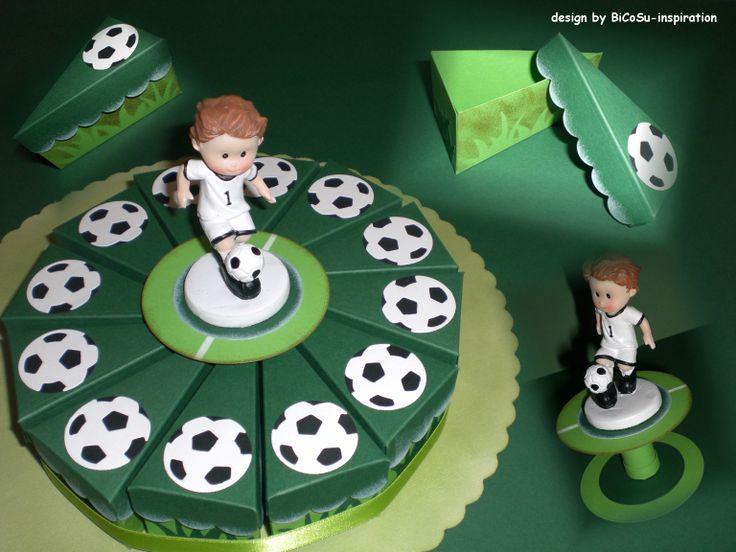 Papier Fußballtorte - Papiertorte / Football Paper Cake für die Kleinen und aber auch für die Großen - Papercake