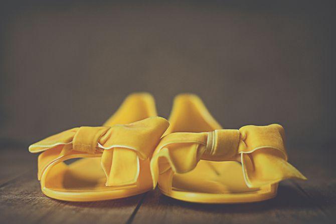 yellow shoesYellow Brides, Yellow Wedding Shoes, Cute Shoes, Style Inspiration, Jordans, Yellow Shoes, Style Pinboard, Bridal Shoes, Mustard Yellow