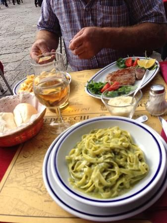 Ristorante Pedrocchi: Lunch is served