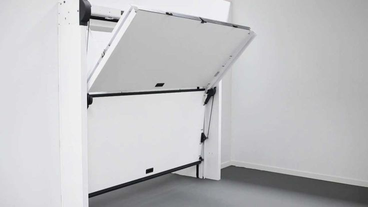 New Overlap, garage doors Silvelox, is an innovative sectional door thanks to its opening mechanism that does not need sliding bars and rails on the ceiling ...