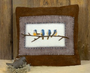 Bluebird Pillow #needlefelt #tutorial: Wool Felt, Sewing Projects, Pillows Ideas, Bluebirds Pillows, Pillows Tutorials, Crafts Tutorials, Needle Wool, Felt Bluebirds, Needle Felt