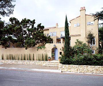 pasztell színű ház