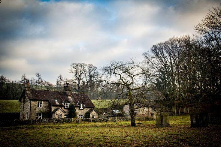Levens lancashire. #ig_4every1_onthefarm #levens #lancashire #uk #travelbug #travel_photography #landscape #landscapephotography #canonphotography #canon #canon_photos #photographer #photobug #photography #sharetravelpics #beautifulplaces #sharetravelpics #lakeland #fromlakelandwithlove #lakedistrict #lakedistrictuk #memories #holidaymemories #specialtimes #familytime #instagramuk #instagram #onthefarm