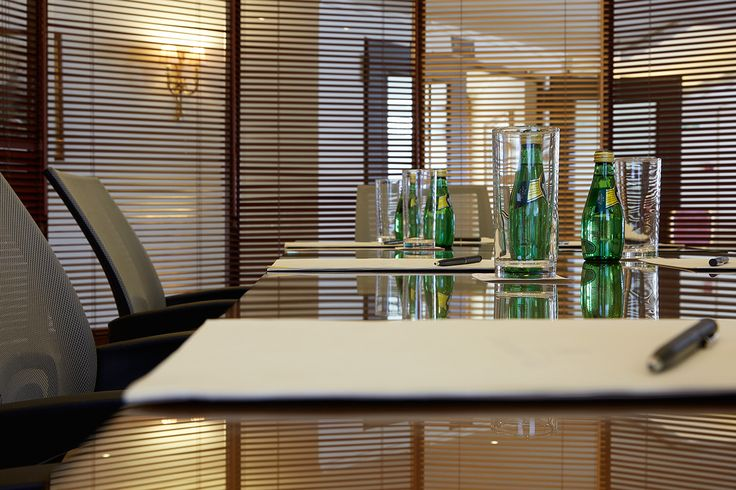 Ermis Meeting Room - details