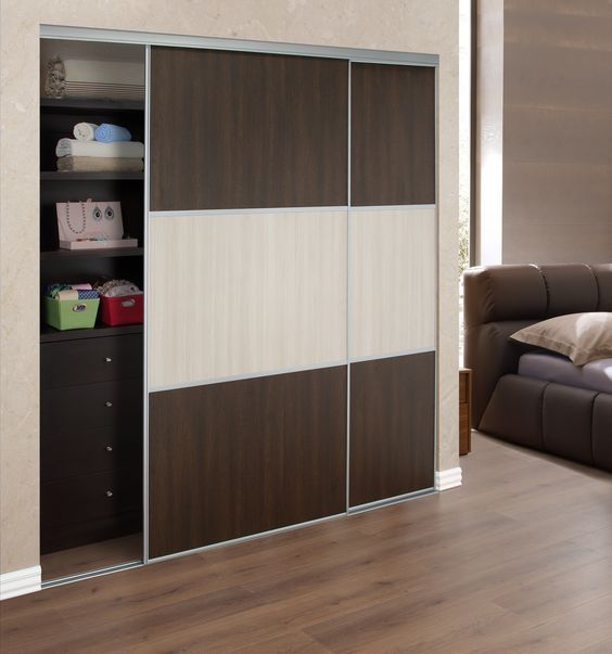 25 best ideas about wardrobes with sliding doors on for Closet con puertas corredizas