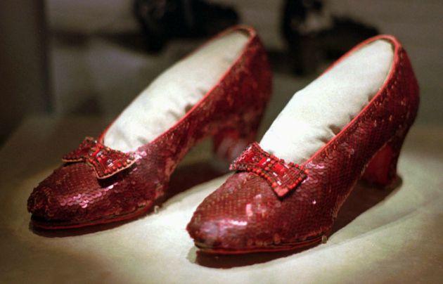 Los verdaderos zapatos de rubí de Dorothy... O al menos uno de los pares elaborados para la película.