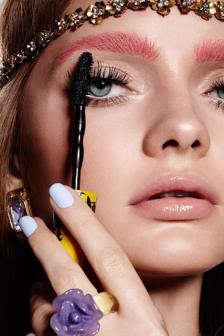 """3 Makeup Trends That Are About To Be HUGE #refinery29  http://www.refinery29.com/couture-week-2015-makeup-trends#slide-15  Next comes the lashes, and we're warning you — you're going to have to rethink the typical """"rules."""" Hold your mascara brush vertically, and wiggle it upward for messy-on-purpose lashes. (We used ..."""
