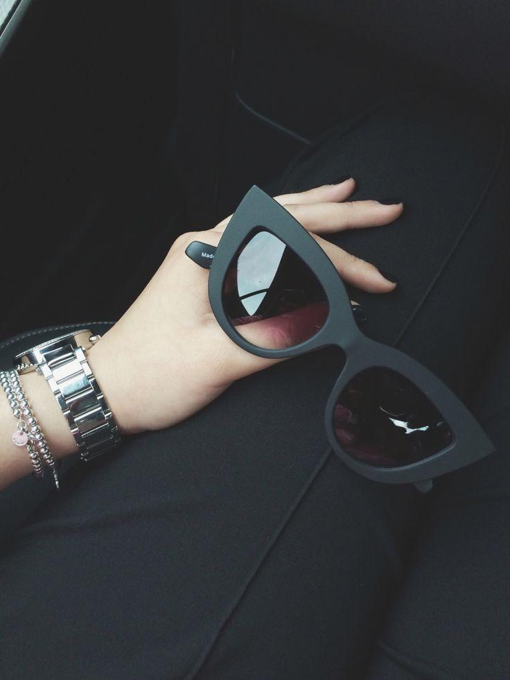 óculos preto fosco