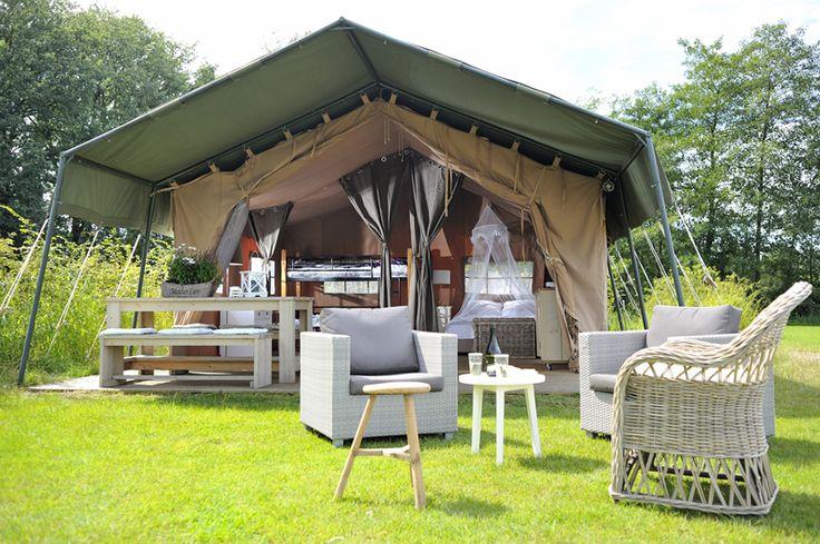 luxe ingerichte safaritenten van tip home glamping pinterest camping. Black Bedroom Furniture Sets. Home Design Ideas