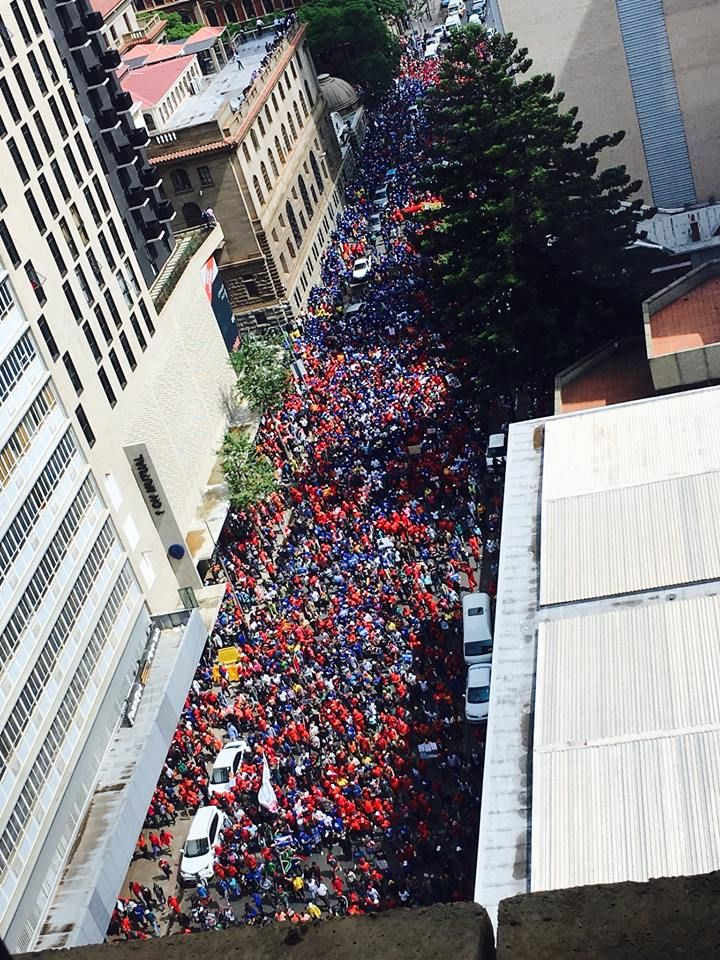 DA - Marchers are making their way to the Union Buildings. 12 April 2017 We are a diverse movement of people who care about the future of our country. We are the movement for CHANGE