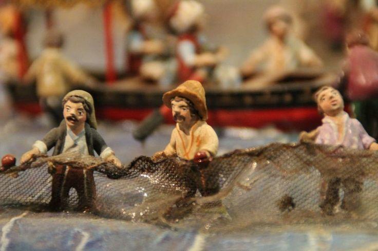 """""""Fischersleute am Meer."""" Teil einer #Krippe: gefunden bewundert und abgelichtet im #Kunstkraftwerk  #detailaufnahme #detailverliebt #kunst #weihnachten #weihnachtsmarkt #leipzig #thisisleipzig #ausstellung"""