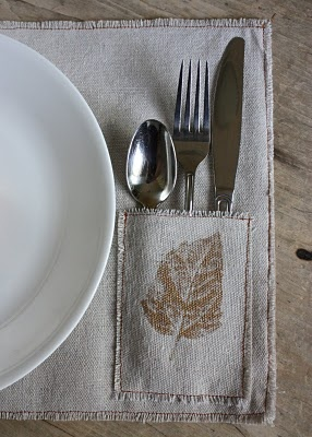 burlap placemats too cute with the lil silverware pocket!