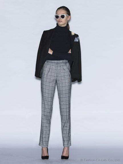 女性らしいハイウエストパンツにヒール高めなパンプススタイルで出来る女風 〜グレンチェックを取り入れたファッション・スタイルのコーデまとめ〜