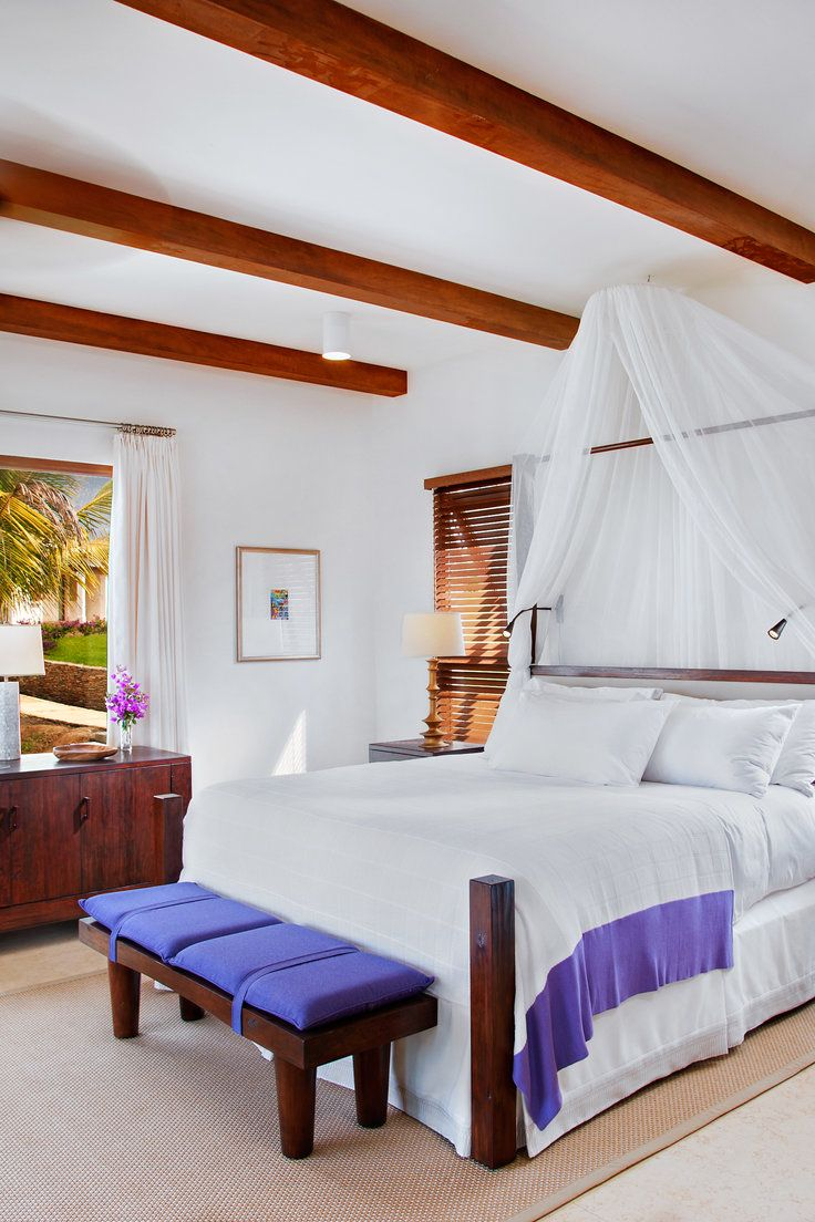 Las Verandas Hotel & Villas - Roatán, Honduras - Rooms are equipped with creature comforts including WiFi and 42-inch flatscreen TVs.