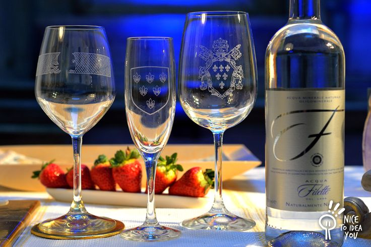 Here is the complete hand engraved glass series for a dinner in Palazzo #Farnese - Rome - Cin cin!