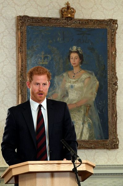 Prince Harry Photos - Britain's Prince Harry speaks at an event on mental health at the Ministry of Defence (MoD) on October 9, 2017 in London, England. - Prince Harry & Sir Michael Fallon Speak at the MOD
