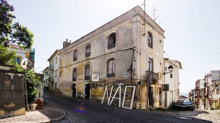 barato creates NÃO installation as an urban narrative in abrantes, portugal