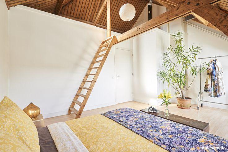 Appartement in Utrecht gefotografeerd. Interieurstyling, verkoopstyling. Houten balken, karakteristieke woning.