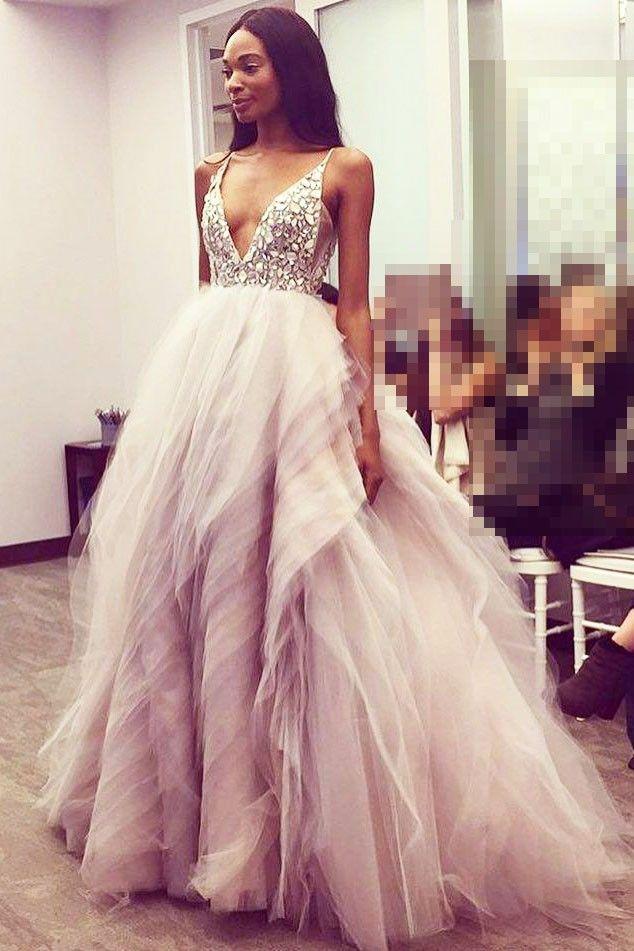 Spaghetti Strap V-Ausschnitt Tüll Ballkleid Brautkleid mit Strass Perlen Mieder #Brautjungfer #Hochzeit #Brautjungfer #Homedecor
