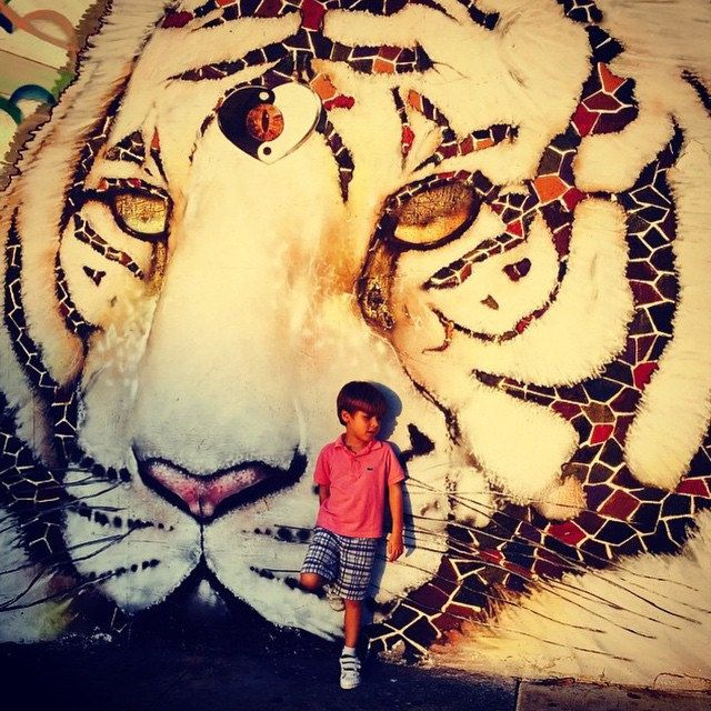 ILOVEIT when little people have #fun little tiger blood illin.. Photoprops to @chiclivingmiami .. Stay shining #streetart #urbanart #fineart #tigerstyle
