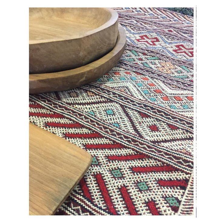 _Hanbel or Hanbal is the Moroccan Kelim. Designs and patterns vary from Zayane tribe Zaer tribe and many other Berber tribe  #marokkoteppich #berberheritage #berberrugs #kelim #berber #teppich #carpet #berlin #berlinstore #berlininterior #interiors
