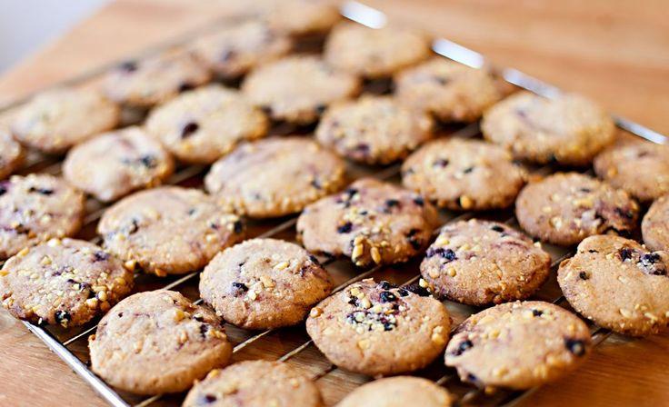 Weihnachtsbäckerei: Zimt-Cookies mit Heidelbeeren und Cranberries