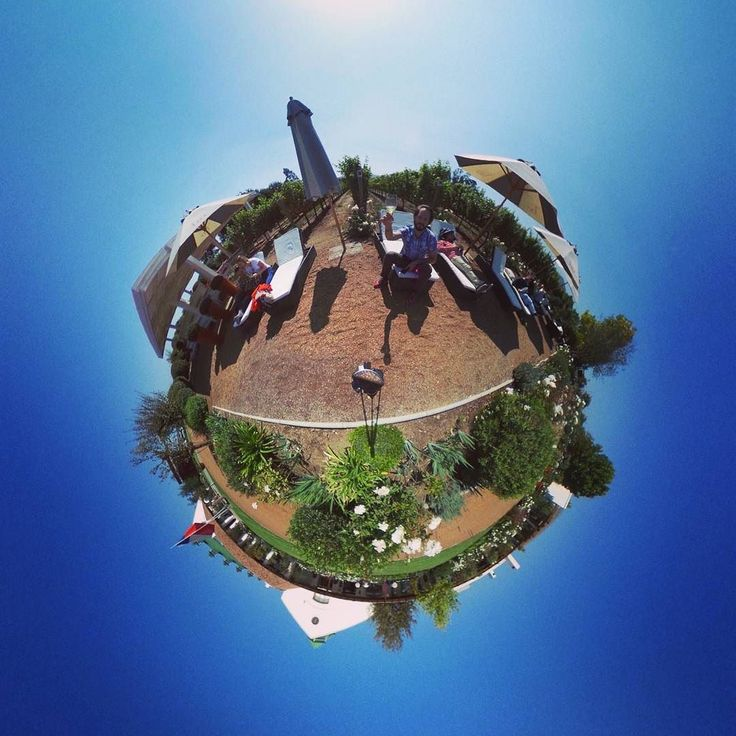 An other pics when we chill out with wine at casas del bosque! #wine #casasdelbosque #winery #chile #winelover #sauvignonblanc #tinyplanet #rollworld #theta360 #theta360official #littleplanet #photoshpere #livingplanetapp #ricohtheta #360camera #smallplanet #spherical #roundworlds #tinyplanetbuff #360panorama #360photography #tinyplanetbuff #webstapick