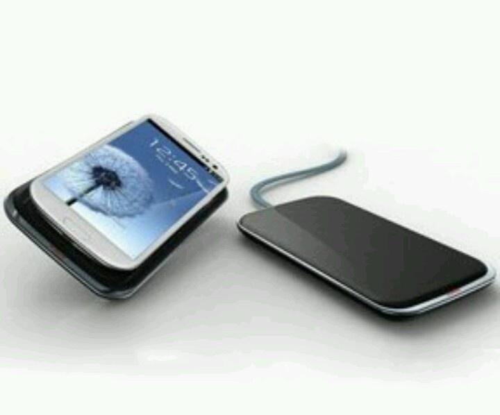 Samsung Galaxy S 3 & Galaxy Note 2 için Kablosuz şarj adaptörü Ces 2013 Fuarinda tanitildi.