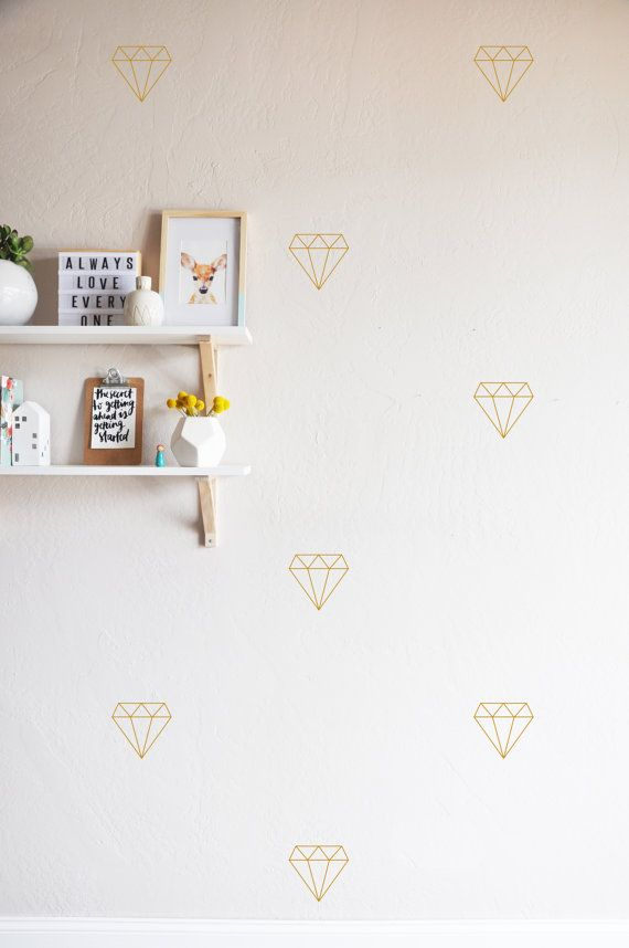 22 INDIVIDUAL -4 x 4 diamonds  Fully removable and reusable wall decals that will brighten and add character to any room. **PLEASE NOTE THAT