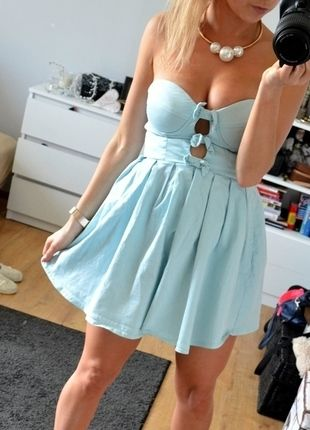 Kup mój przedmiot na #vintedpl http://www.vinted.pl/damska-odziez/krotkie-sukienki/10528981-super-sukienka-rozkloszowana-kokardki-zip-mieta