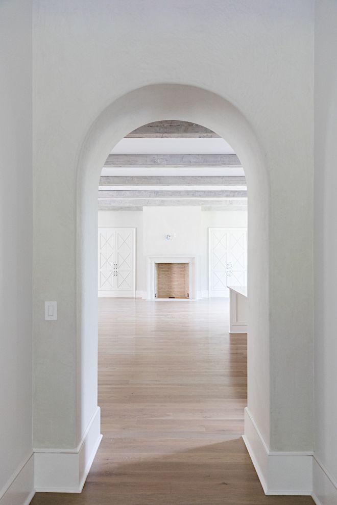 Modern English Farmhouse In 2020 Archways In Homes English Farmhouse Arch Doorway