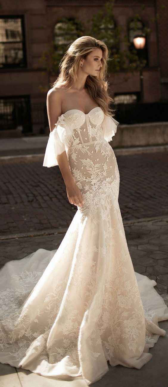 Berta Bridal Fall Wedding Dresses 2017 / http://www.deerpearlflowers.com/berta-fw-2017-wedding-dresses/4/