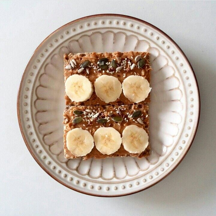 Quick filling snack   Ryevita Peanutbutter Banana Mixed seeds