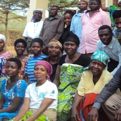 Quest Coffee Roasters supports Dufatanye Cb Sub Grp A Group from Rwanda through Kiva.