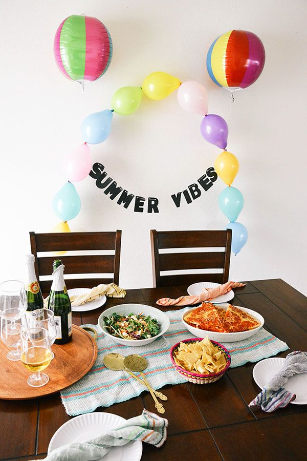 Balloon arch, perfect for a kid's summer party idea #partyideas #birthdayparty