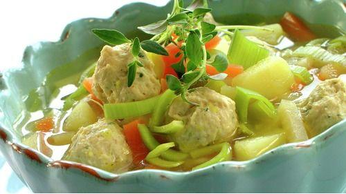 Grønnsaksuppe med fine kyllingboller - Sunn - Oppskrifter - MatPrat