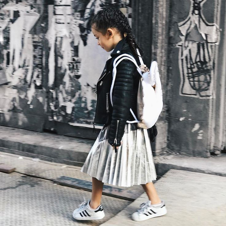 """3,092 Likes, 38 Comments - London Scout & Sai De Silva (@scoutfashion) on Instagram: """"I'm pretty sure it was kids who started the jacket """"Off The Shoulder"""" trend. #LittleTrendSetter …"""""""