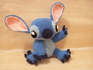 Muñeco Stitch Amigurumi de la película de Disney Lilo & Stitch  - Patrón Gratis en Español - Versión en PDF - Click sobre la imágen aquí: http://hastaelmonyo.com/?p=3174