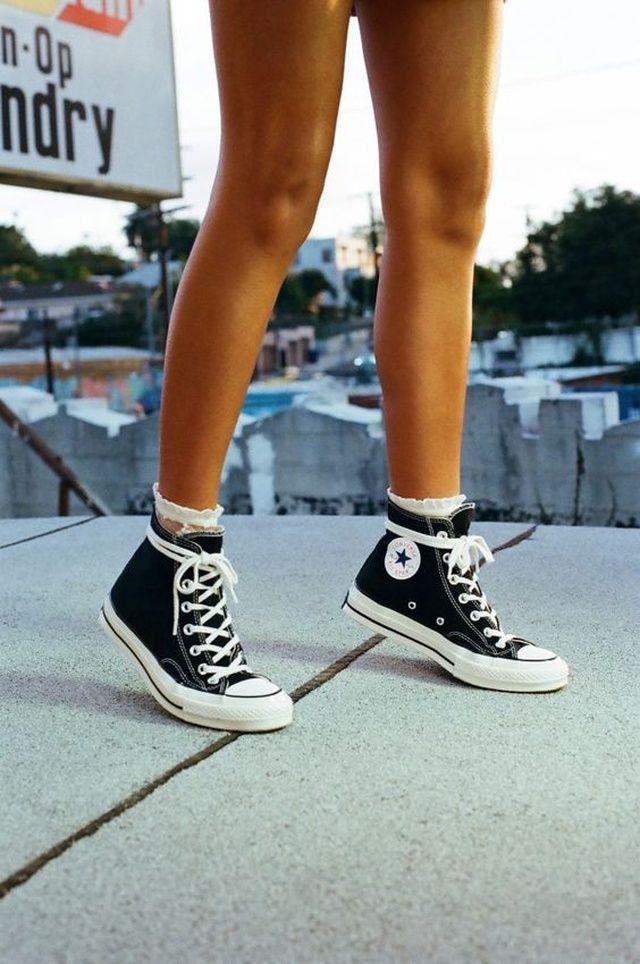 Black Converse Sneakers | Scarpe da ginnastica moda, Scarpe carine ...